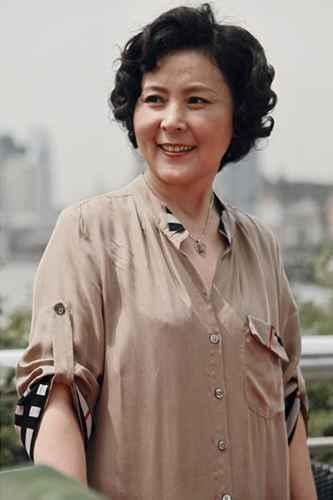 电视剧《断奶》引热议 陈鸿梅演绎深陷80后啃老成代表