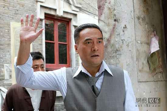 《像火花像蝴蝶》二轮接档 王建新谱写上海传奇