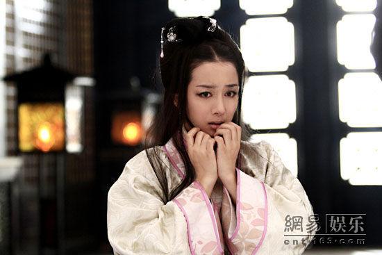 电视剧《新洛神》热播 李依晓杨洋剧中秀姐弟恋