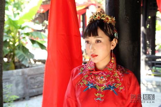 杜若溪苦练黄梅戏 电视剧《天下第一军》变身绝代名伶