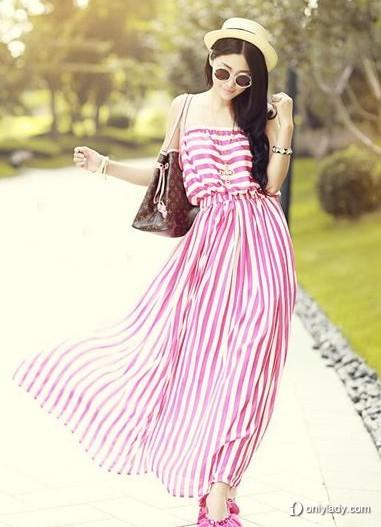 韩国少女甜美穿衣搭配 粉色裙装眼前一亮