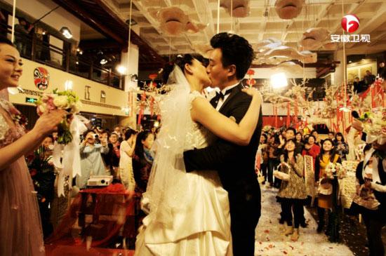 电视剧《我的儿子是奇葩》将播 佟大为关悦婚礼激吻