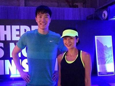 刘翔被传婚变后露面 微笑与陈奕迅妻子合影