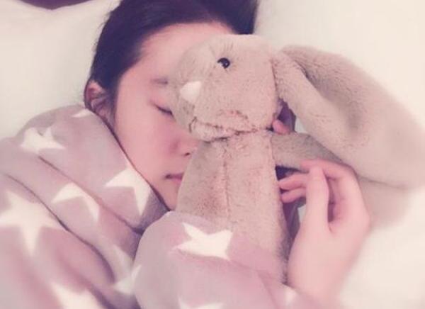 刘亦菲美如挑花 网友:照片是谁拍的?