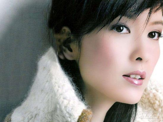 周慧敏晒健身照 46岁TVB女神容颜不老