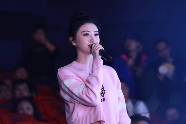 景甜现身《绿皮书》北京首映 给予孤独的人更多温暖